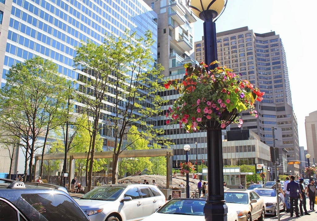 Travel blogger Mash Elle shares the best shopping locations in downtown Yorkville, Toronto