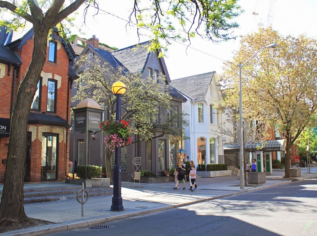Travel blogger Mash Elle shares her favorite stores in downtown Yorkville