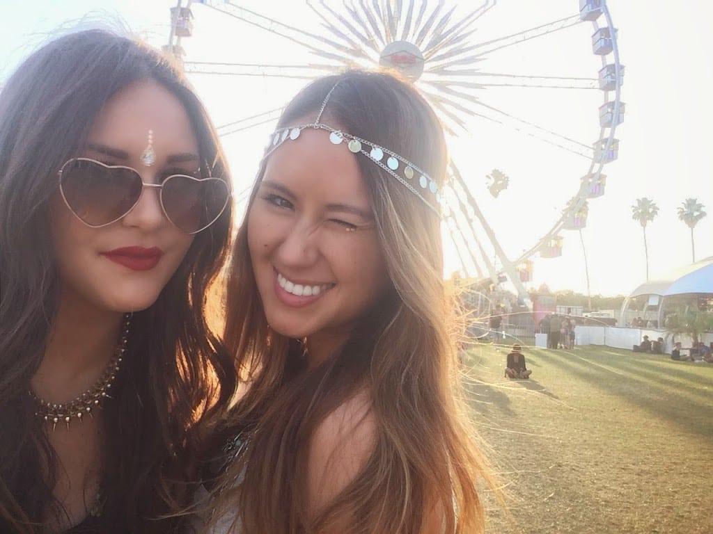 Fashion blogger Coachella ferris wheel selfie