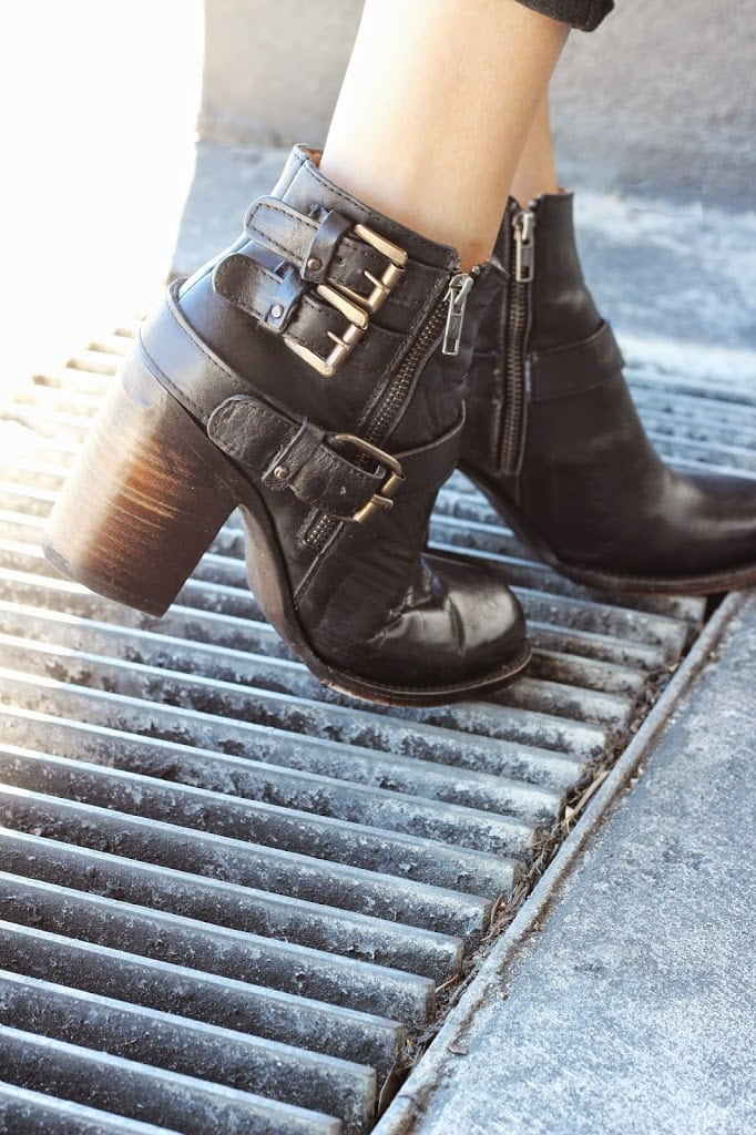 Fashion blogger Mash Elle shares her favorite Paige Jeans and Freebird Bolo Boots    leather boots   balayage hair   all black outfit  