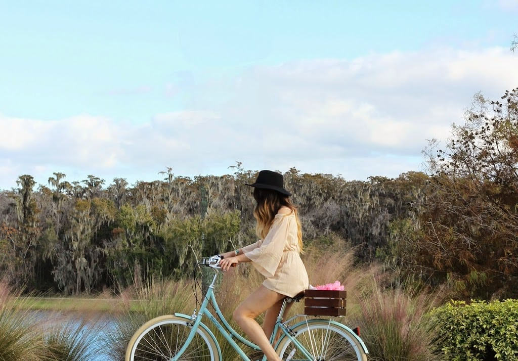 gifts for man in your life bike florida blogger Mash Elle   gift guides for him   what to buy him for Christmas   bike   cruiser bike