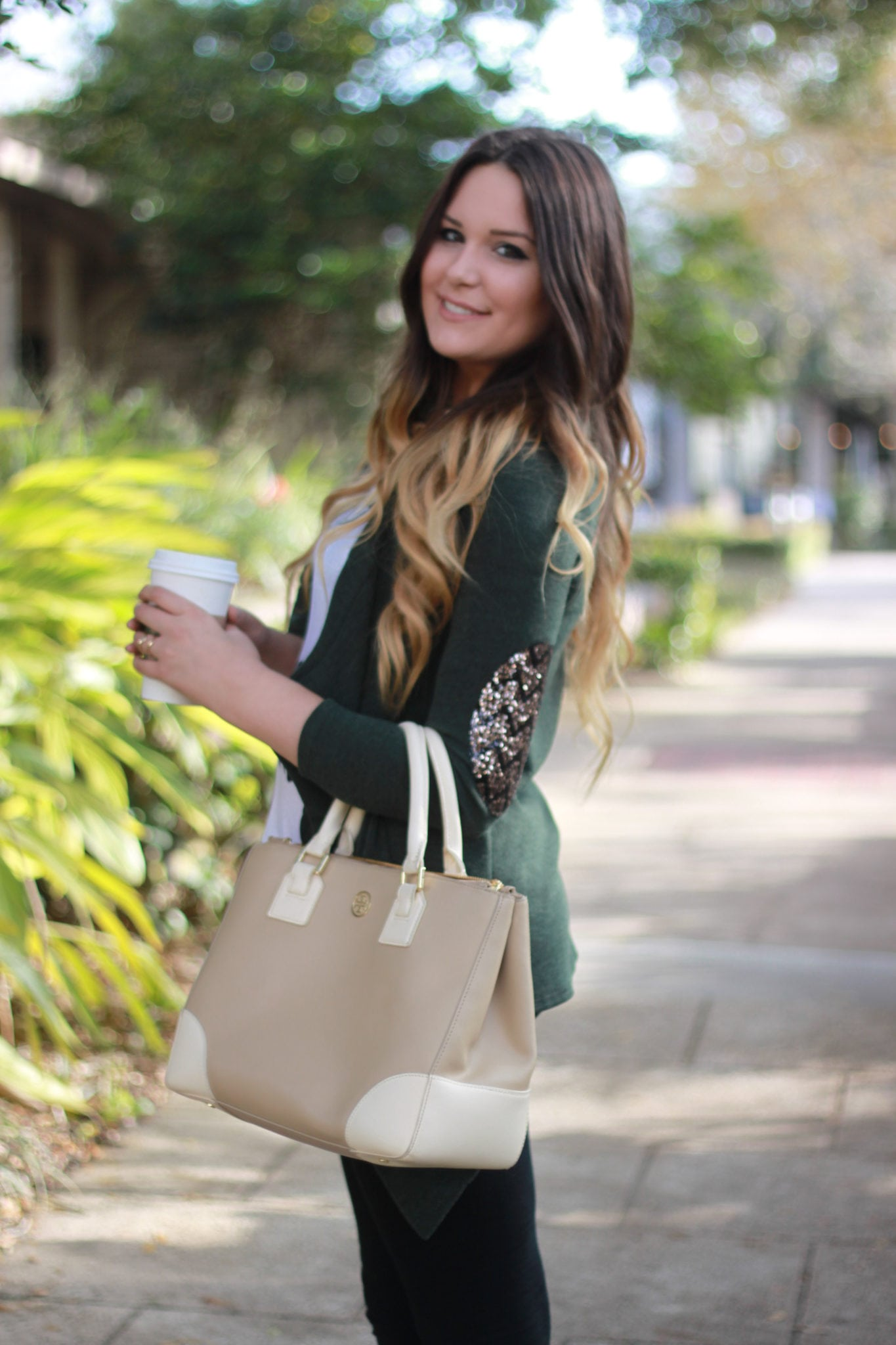 Easy everyday fall outfit   booties   leggings   green cardigan   outfit for fall   Mash Elle beauty blogger