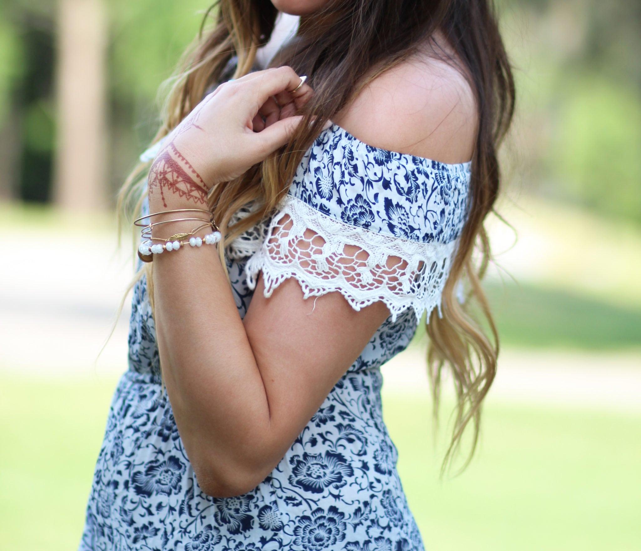 Henna Art | DIY Henna art | Henna | tattoo | traditions | off the shoulder dress | floral print dress | Mash elle beauty blogger