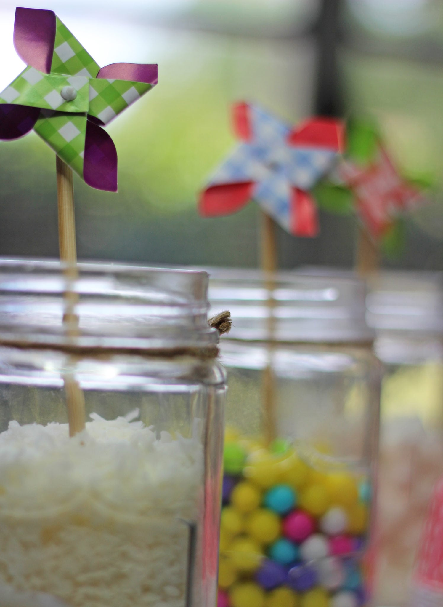 DIY Ice cream bar with Haagen Daaz from style and beauty blogger Mash Elle | DIY Ice cream bar with candy from style and beauty blogger Mash Elle | summer desserts | ice cream party | summer treats