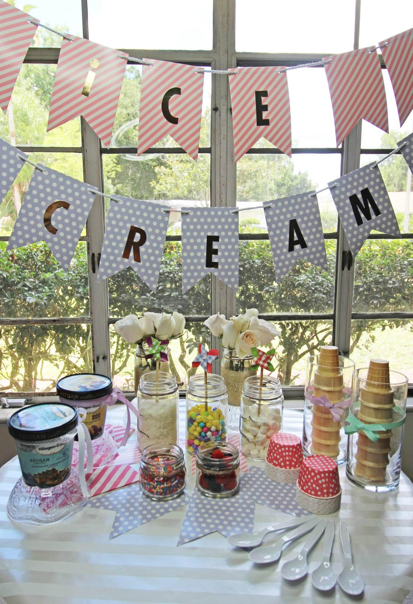 DIY Ice cream bar with candy from style and beauty blogger Mash Elle | summer desserts | ice cream party | summer treats