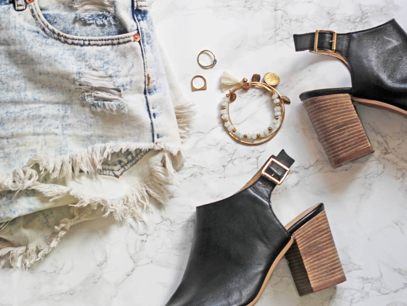 packing-list-clothing-and-accessories