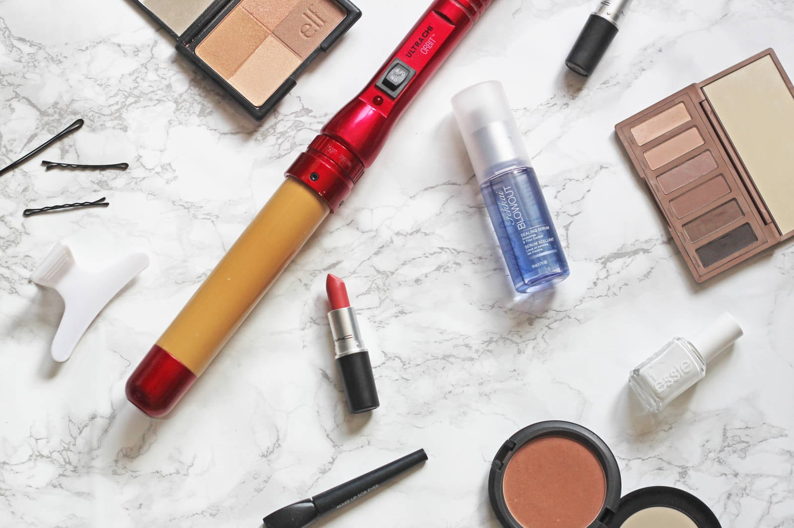 whats-in-my-overnight-bag | overnight bag packing | packing for a trip | Mash elle lifestyle blogger | razor | makeup | jewelry