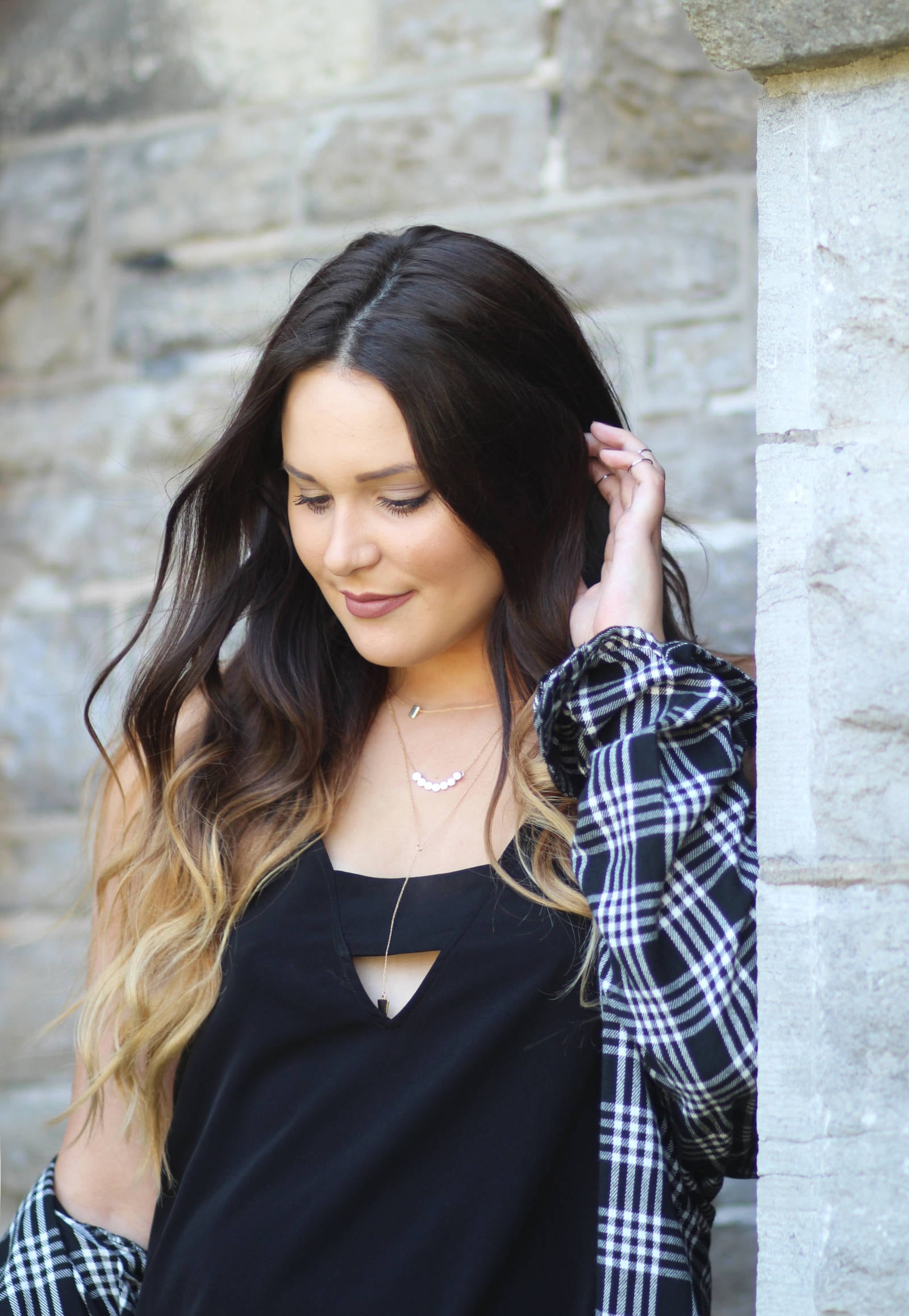 how-to-wear-plaid-in-fall | plaid cute outfit | beauty blogger Mash Elle | how to wear a plaid shirt