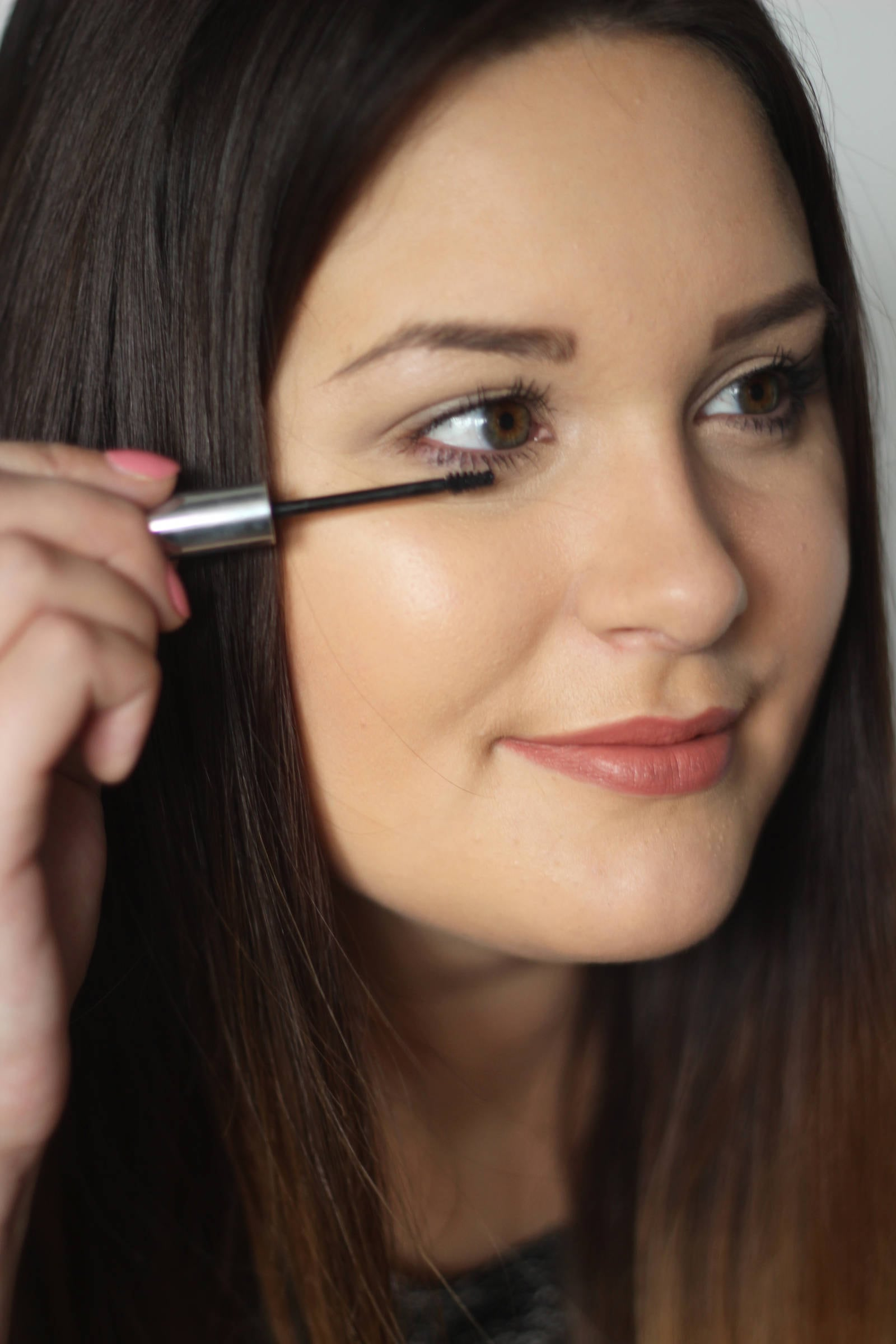 How to fake bigger eyes with makeup |  Mash elle beauty blogger | how to make your eyes look bigger | wide eyes makeup | makeup tutorial