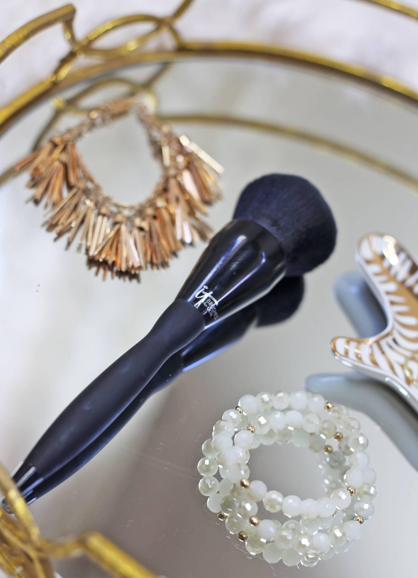 affordable blending brush   best beauty finds from ulta    spring beauty favorites    mash elle beauty blogger   Ulta makeup   naked   hoola   clinique