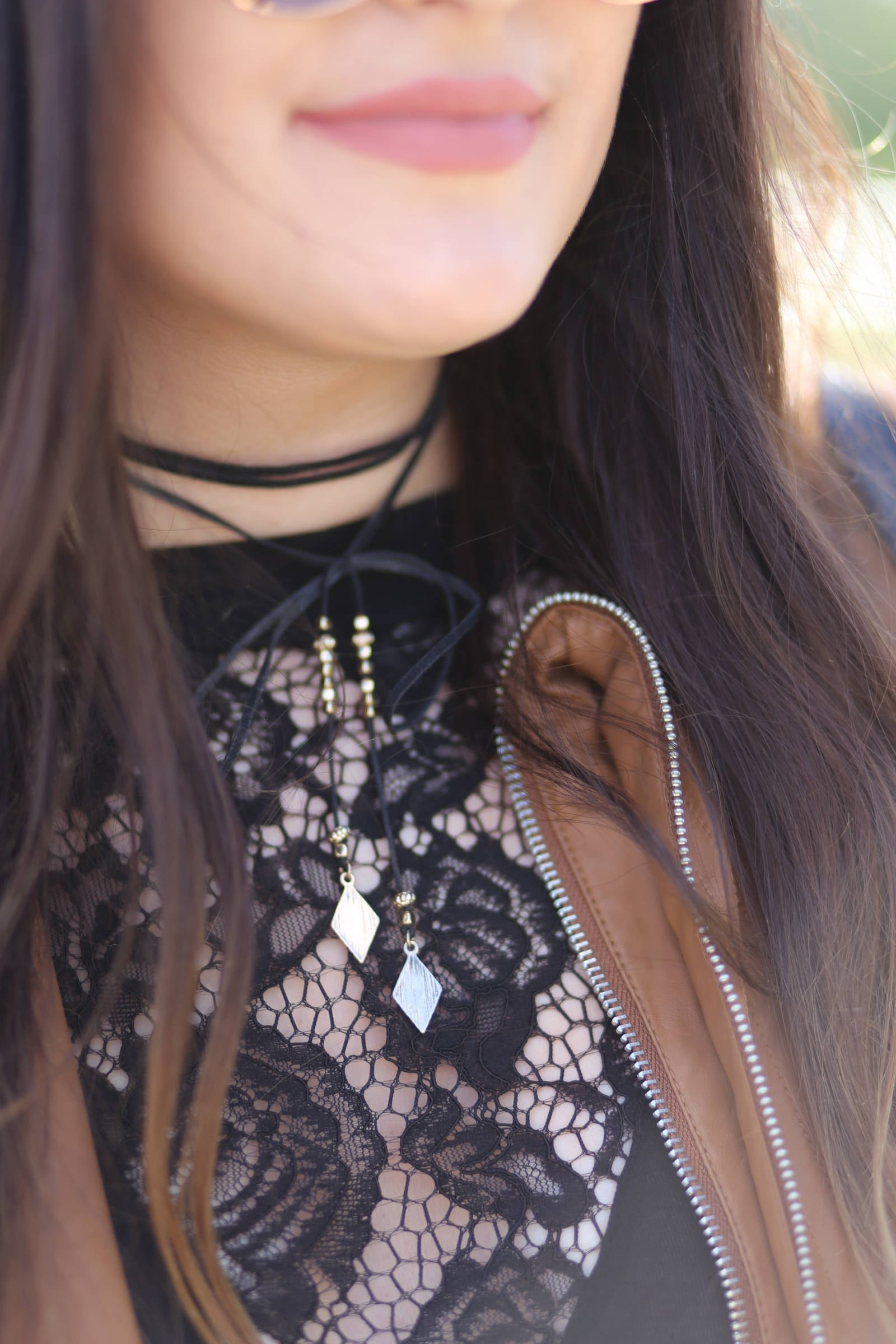 how to wear a choker casual and affordable fall outfit leather and lace | where to buy the best sunglasses | leather and lace | fall fashion | Mash Elle beauty blogger