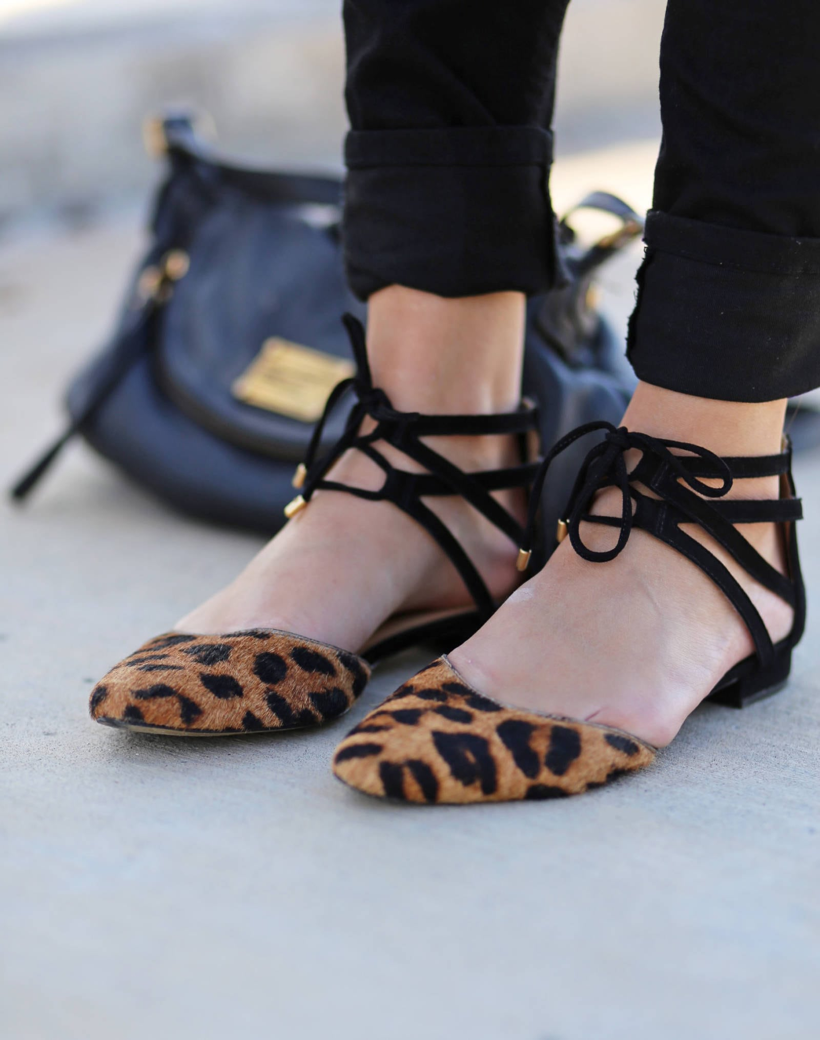 the best flats for fall casual and affordable fall outfit leather and lace | where to buy the best sunglasses | leather and lace | fall fashion | Mash Elle beauty blogger