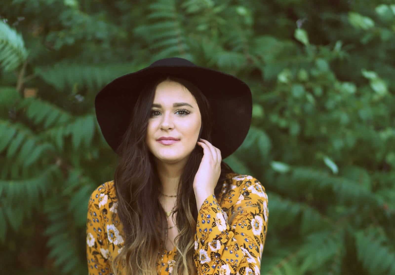 bohemian inspired outfit for fall