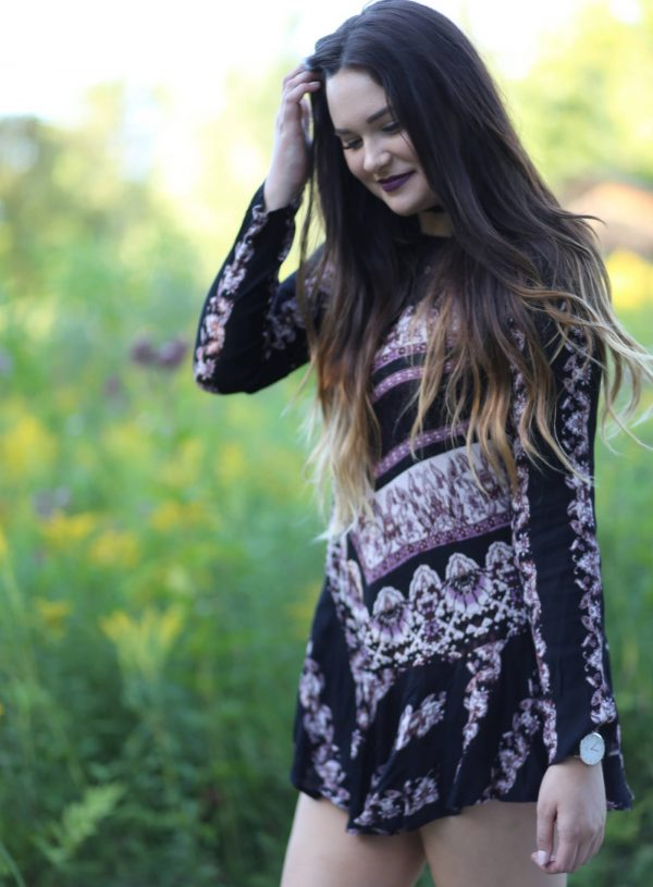 Fashion blogger Mash Elle styles a Free People tunic dress for fall