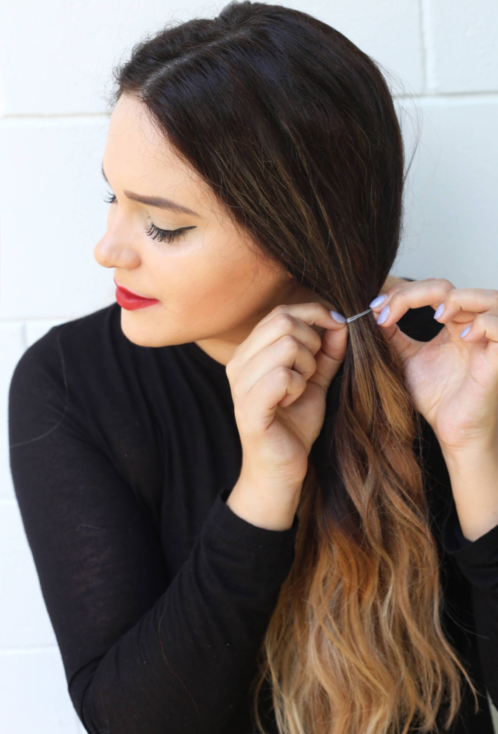 Fashion and beauty blogger Mash Elle shares how to wear a multi-use choker