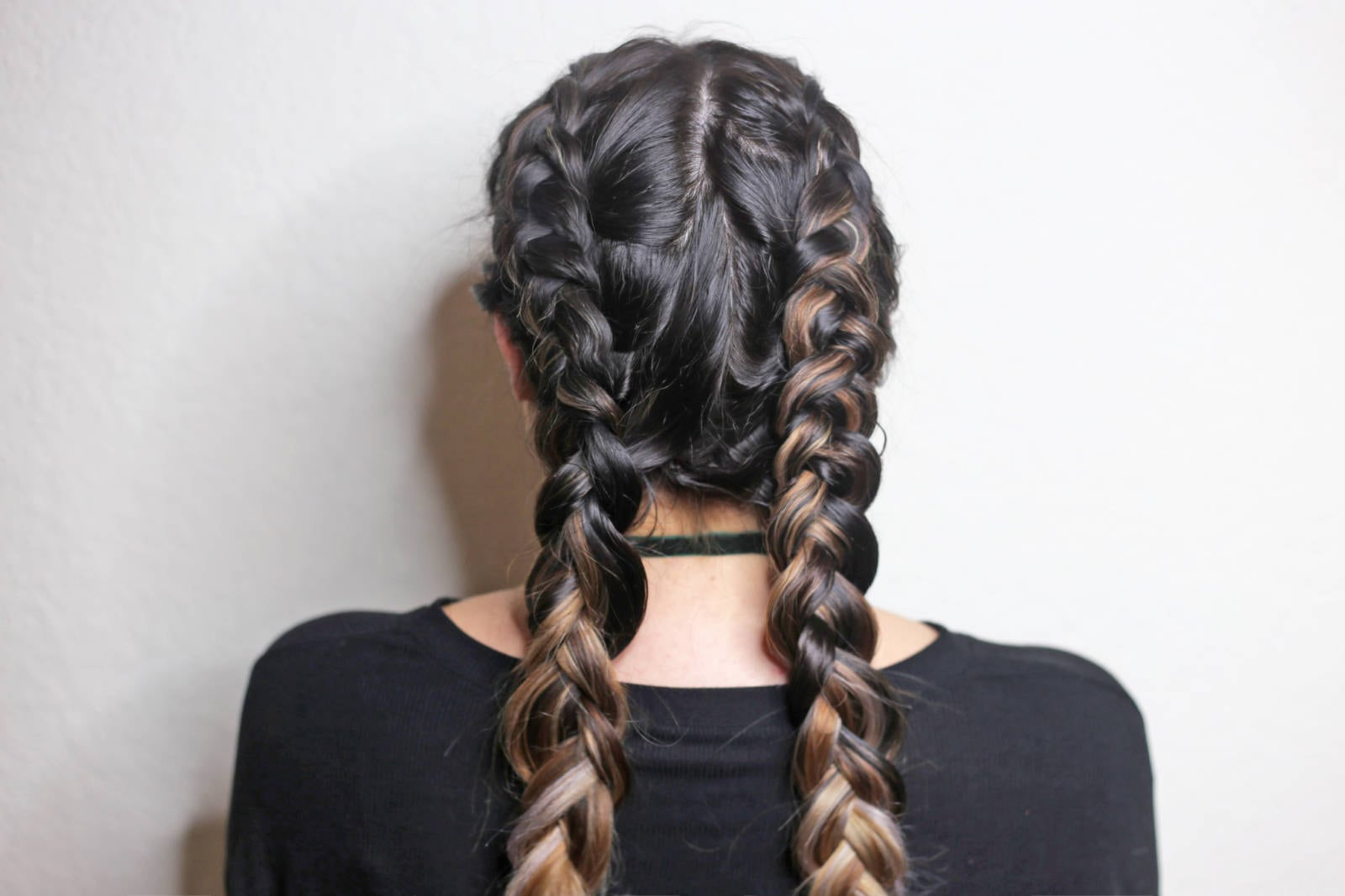 Double Dutch Braids For Beginners by popular Orlando beauty blogger Mash Elle | beauty blogger Mash Elle | dutch braids tutorial | beginner hair tutorial | suave