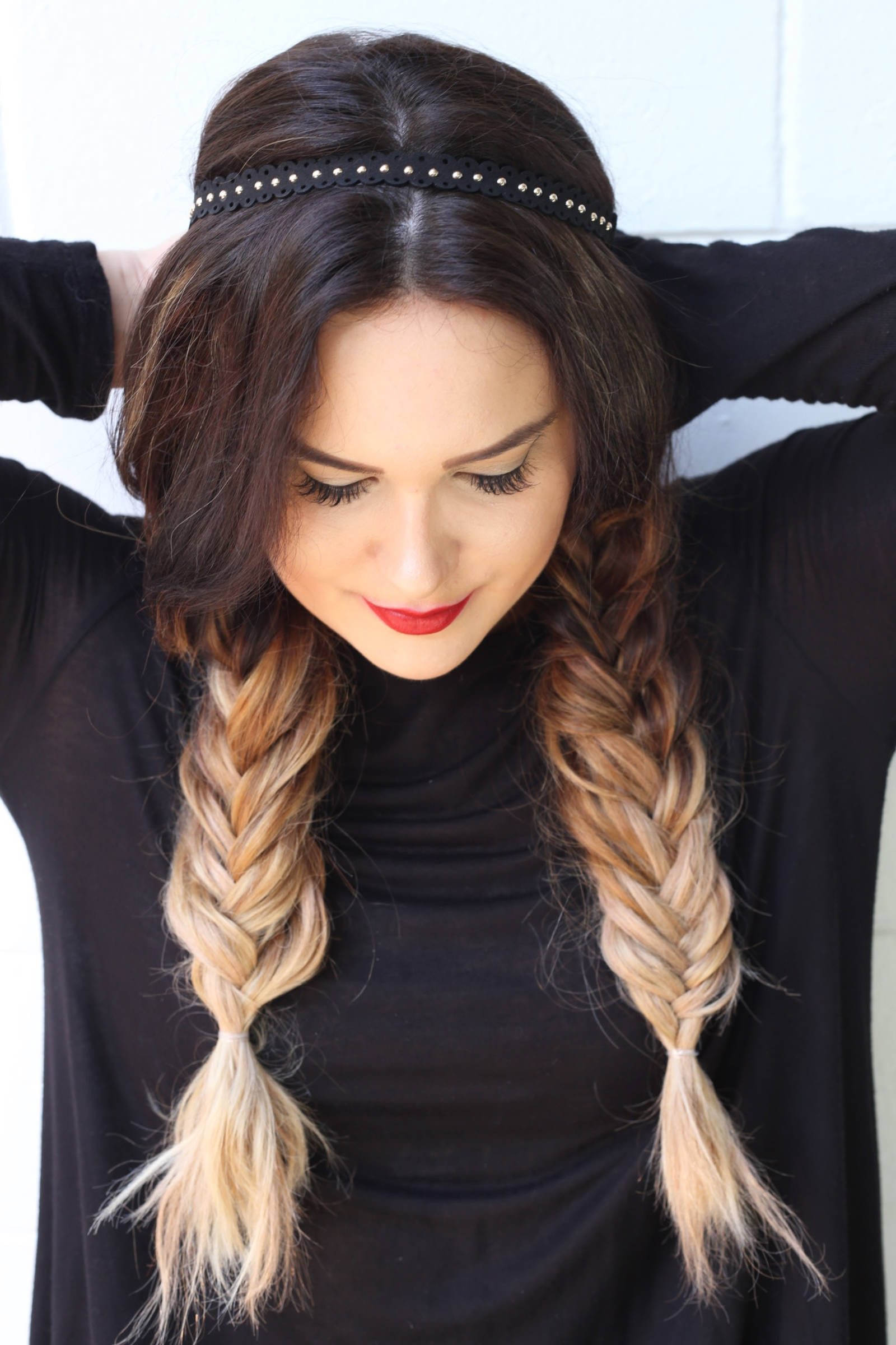 Fashion and beauty blogger Mash Elle shares an easy tutorial hair tutorial for long hair for a night out