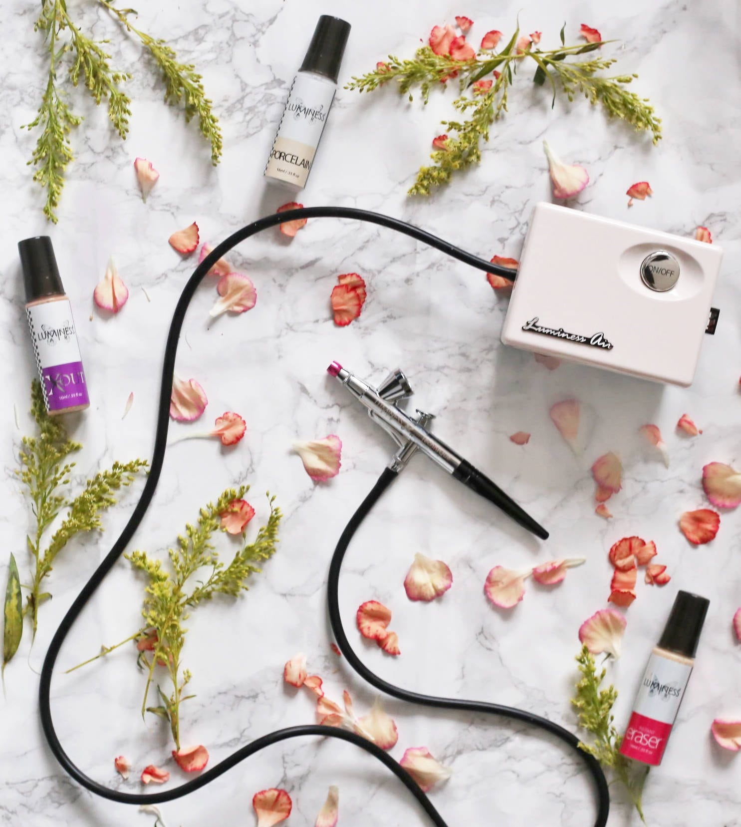 Beauty blogger Mash Elle shares the perfect girl for the beauty lover! Luminess Air is the perfect airbrushing system!