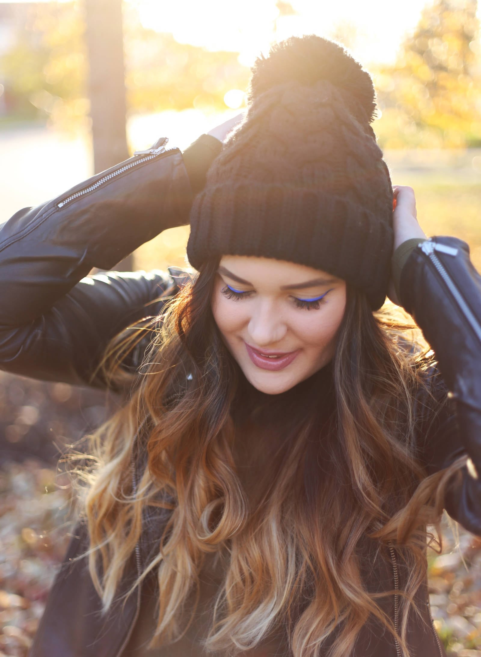 Add color to fall outfit | fall color | makeup fall | fall outfit | Mash Elle beauty blogger