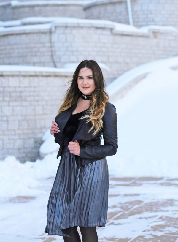 How to style a midi skirt Mash Elle winter outfit