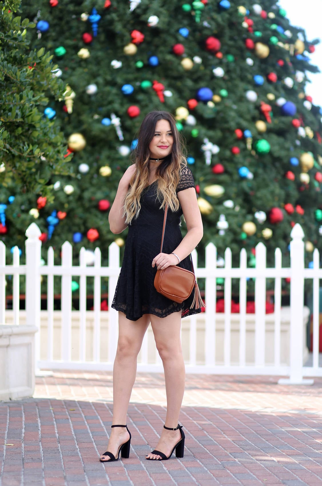 Christmas party outfit Mash Elle beauty blogger lace black dress black heels | little black dress | holiday outfit