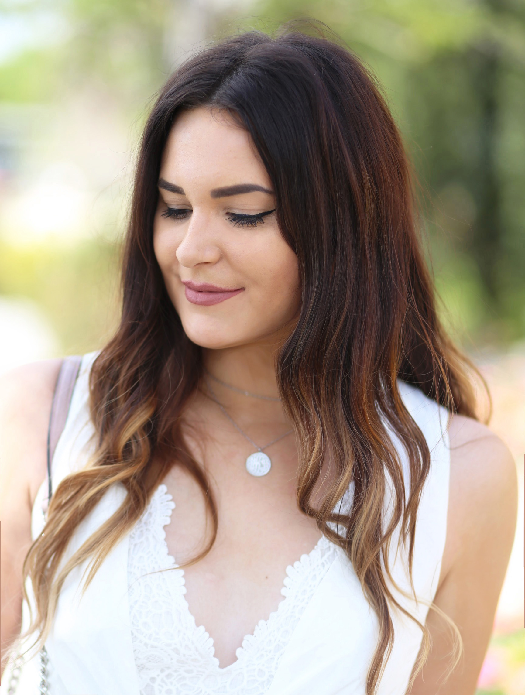 Mash Elle beauty blogger white dress spring outfit park