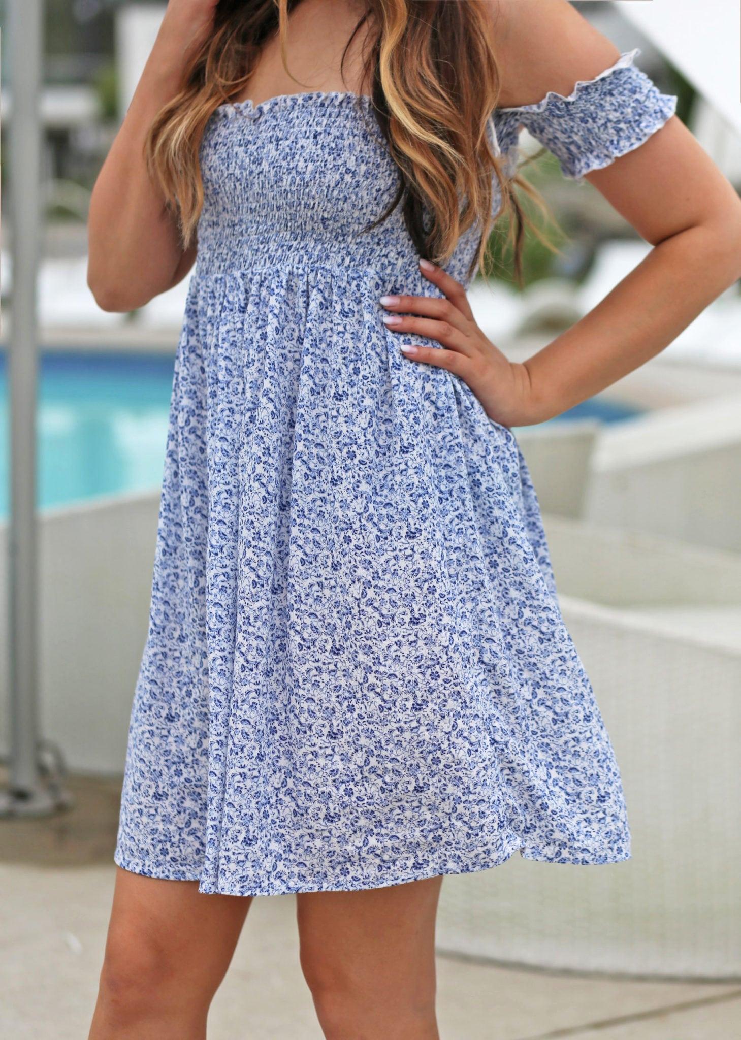 Mash Elle blogger |pool | blue white floral dress |blue shoes | summer outfit | Esterel resort
