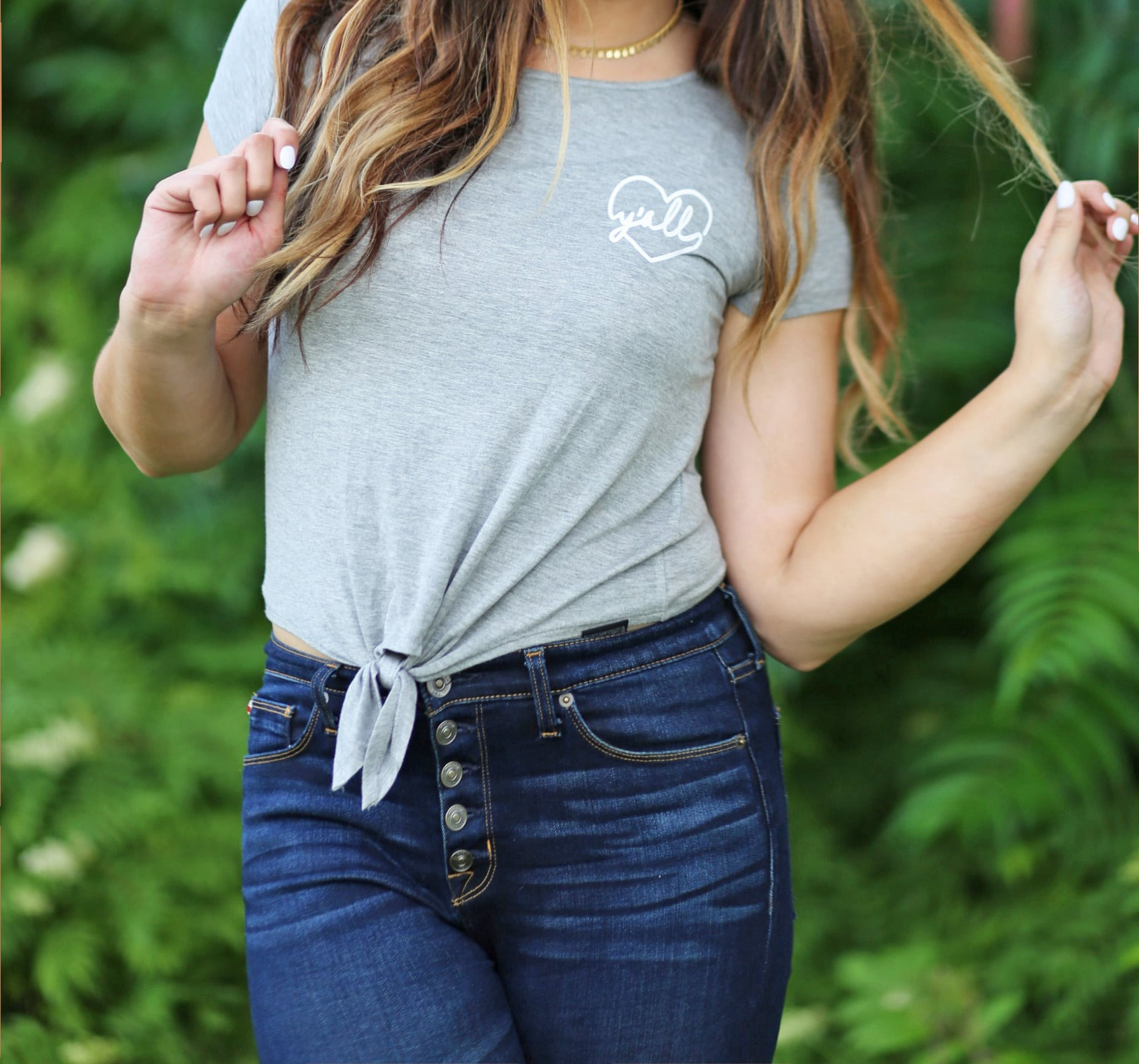 Mash elle beauty blogger | y'all shirt | jeans outfit | southern roots | florida girl | south