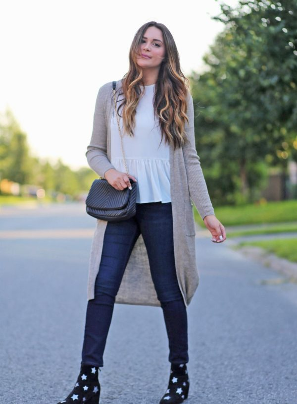 casual fall date outfit open back peplum white shirt tan taupe sweater jeans star boots Mash Elle