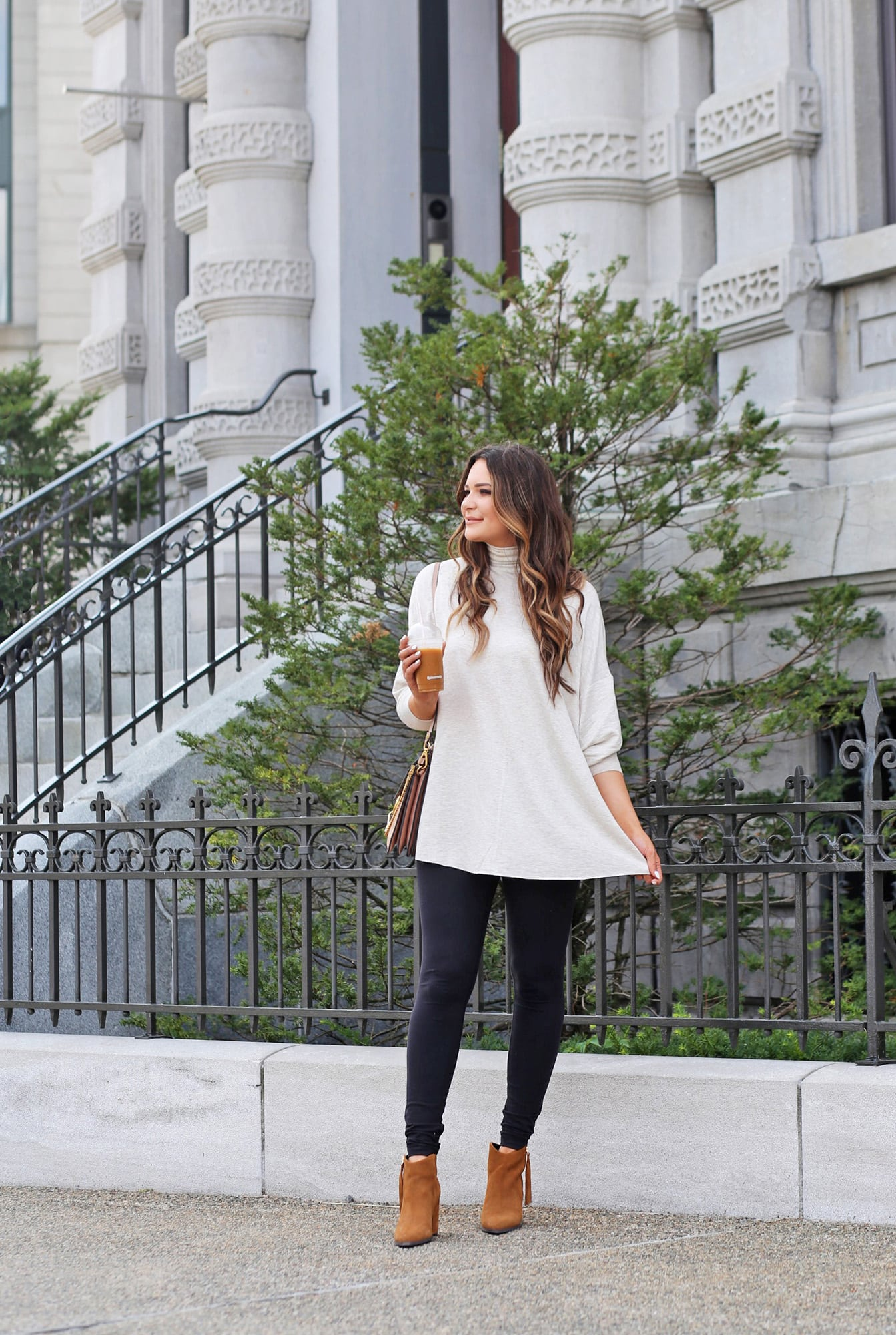 top attractions to visit old Montreal | Canada places to go | blogger Mash elle | white sweater | fall outfit |  travel | tunic | booties