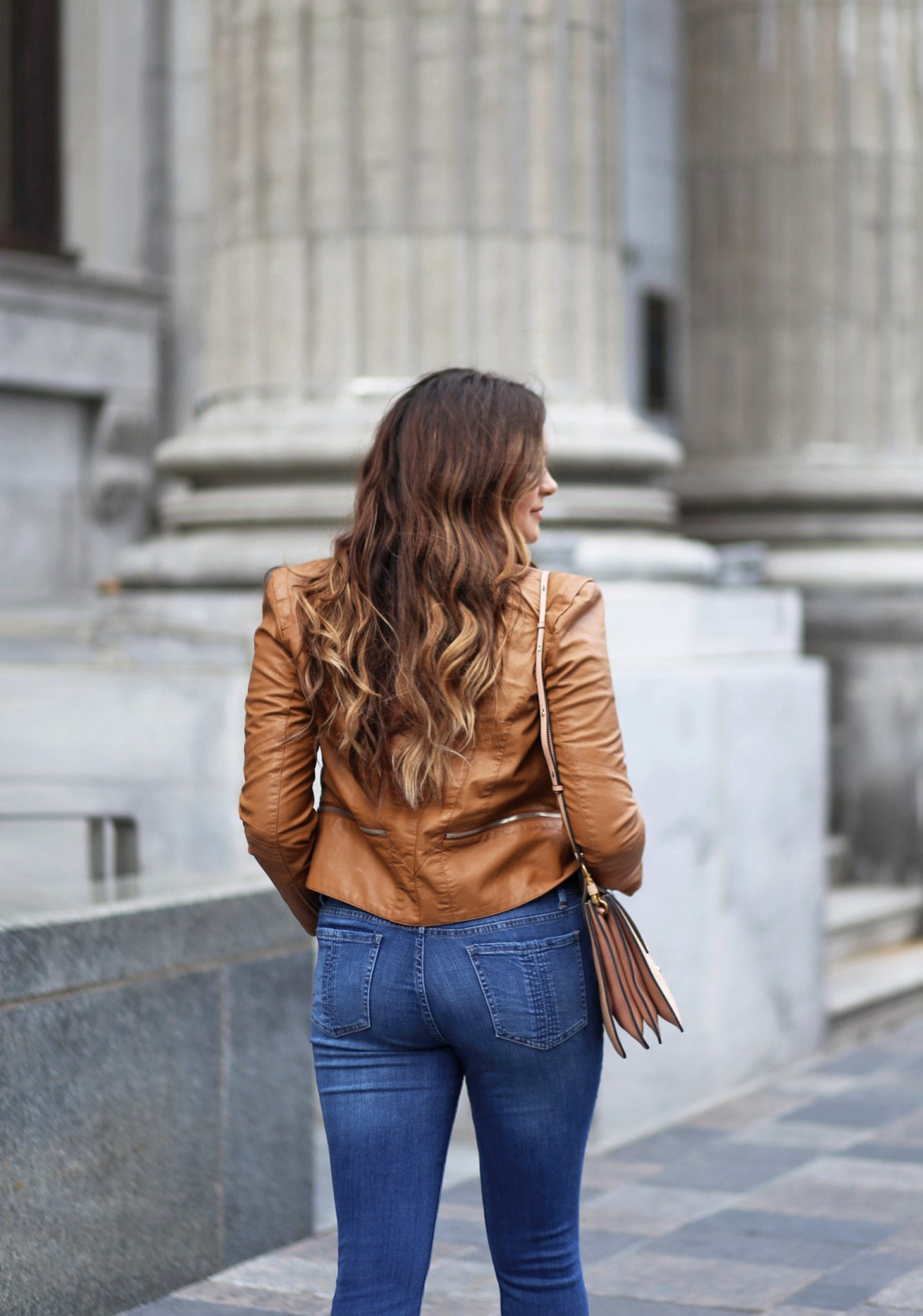 fashion find | blue jeans under $20 | beauty blogger Mash Elle | leather jacket | black shirt | suede booties fall fashion