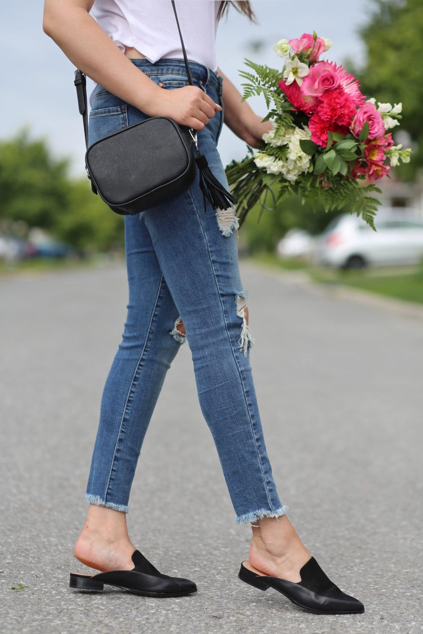 cutout choker shirt white blue jeans fall trends Mash Elle crossbody bag flowers