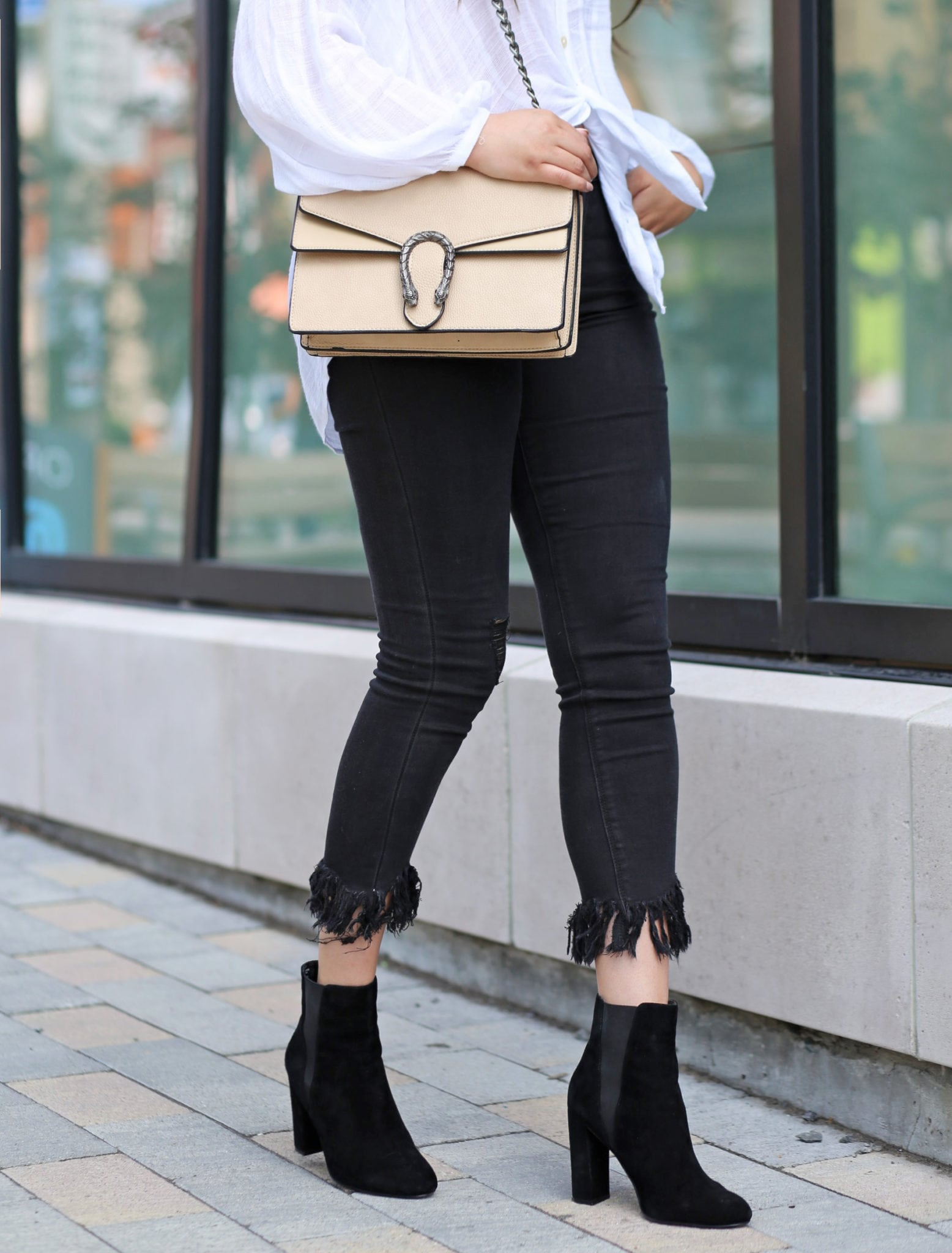 how to style black frayed jeans | frayed jeans style | style blogger Mash Elle | gucci dupe