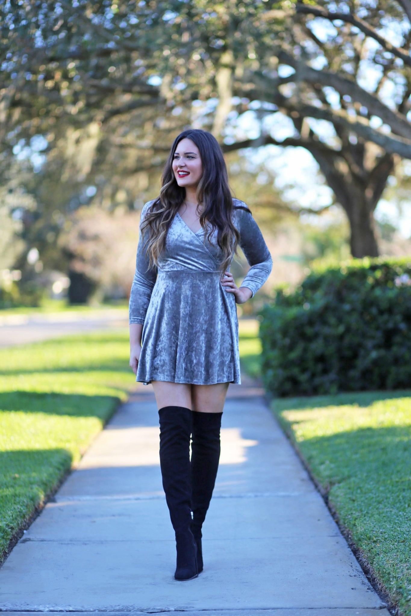 velvet long sleeve dress otk boots winter fashion mother daughter outfit park Mash Elle beauty blogger