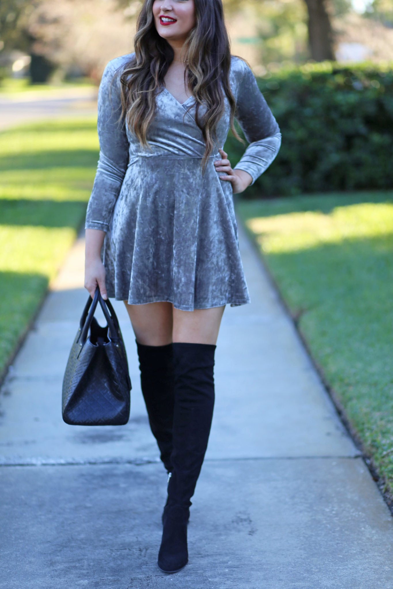 velvet long sleeve dress | otk boots | winter fashion | mother daughter outfit | park | Mash Elle beauty blogger | velvet dress