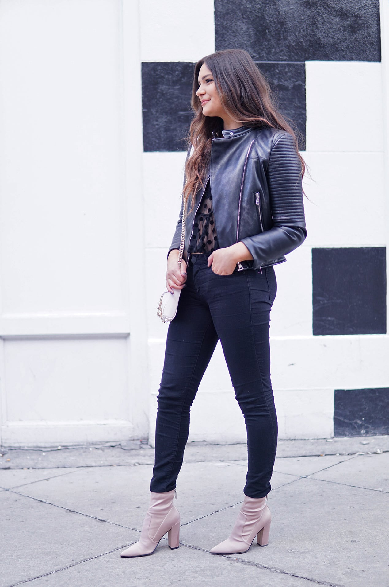 girls night out outfit | girls night | date night ideas | fashion | boots | leather jacket |  Mash Elle beauty blogger