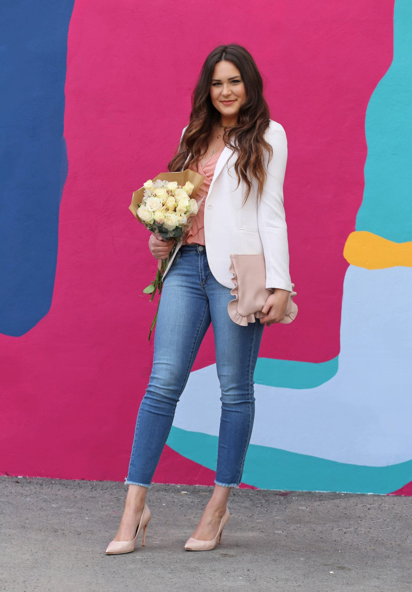 Beauty blogger Mash Elle | style pretty spring pastels | nude heels | pastel fashion | light pink roses