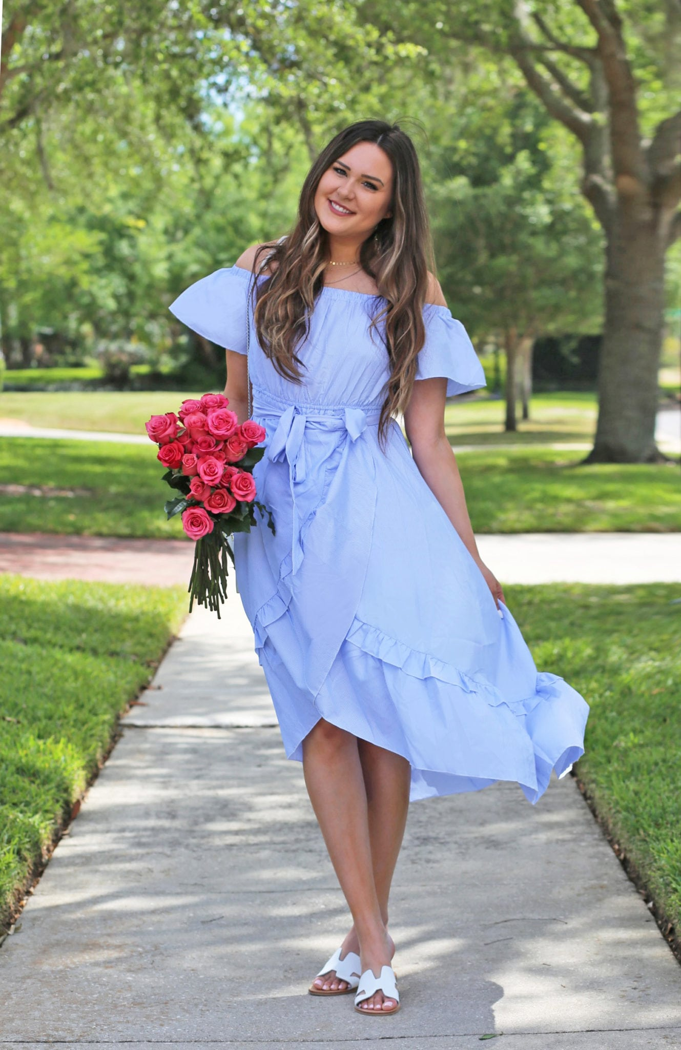 Mash Elle beauty blogger sweet spring dress blue pink roses park spring time