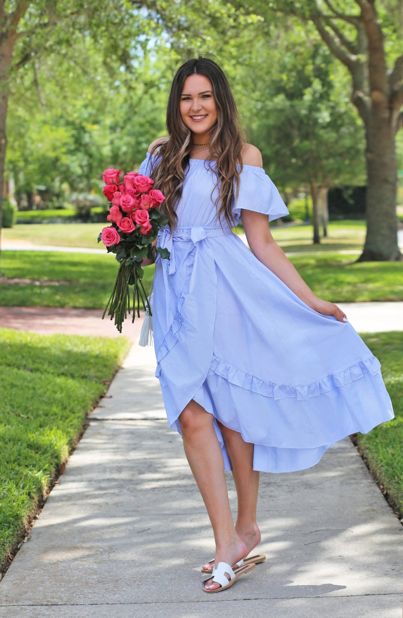 Mash Elle beauty blogger | sweet spring dress | blue dress | pink roses | park | spring time | spring style