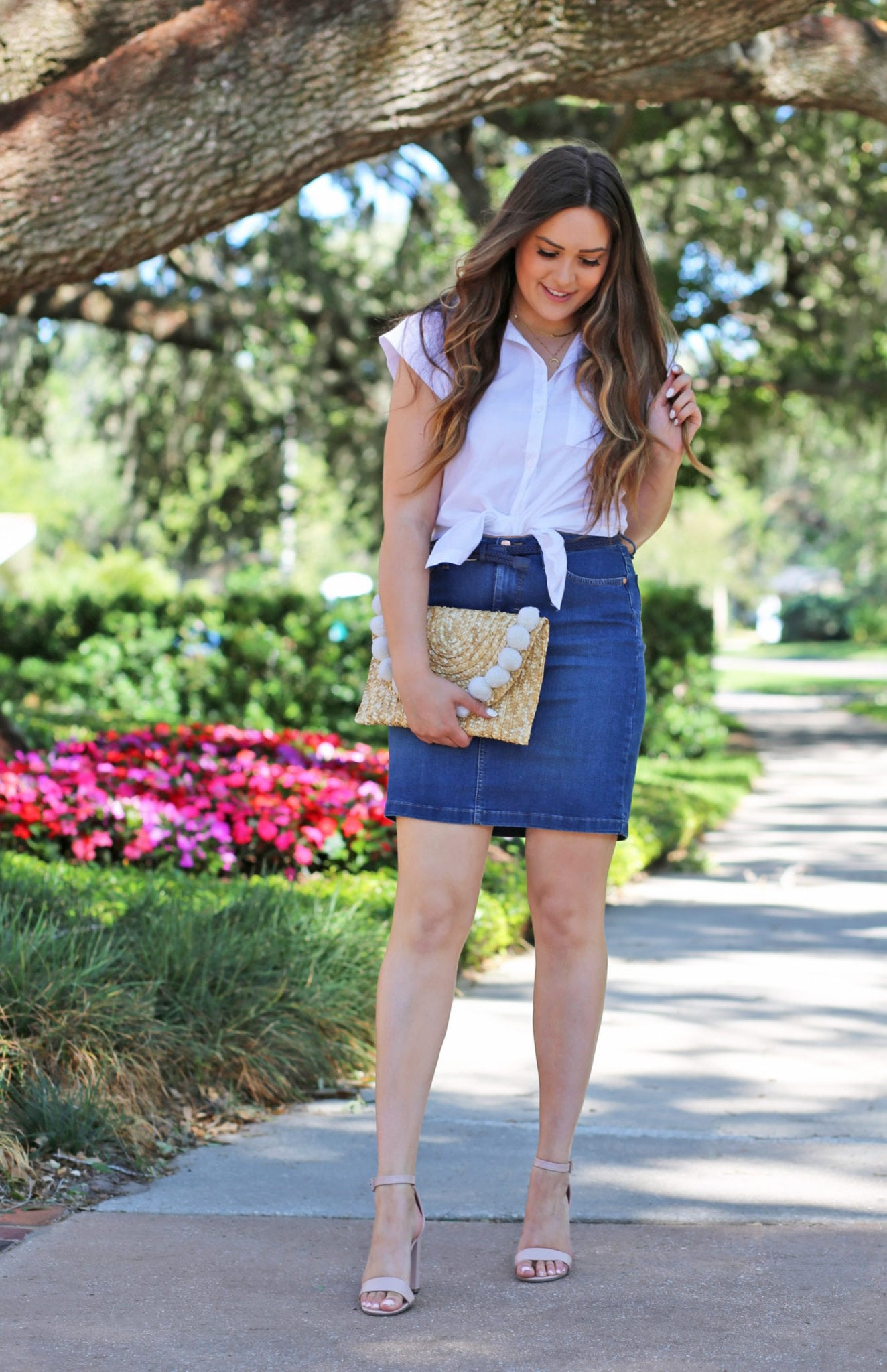 Beauty blogger Mash Elle | popular Orlando blogger | how to style a denim skirt outfit | tulip flowers | white top | Florida spring fashion