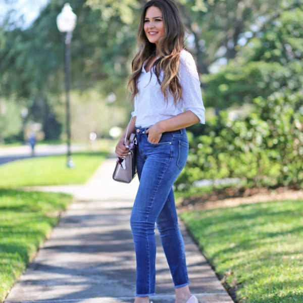 find right jeans for your body mash elle summer outfit ideas blue jeans white shirt