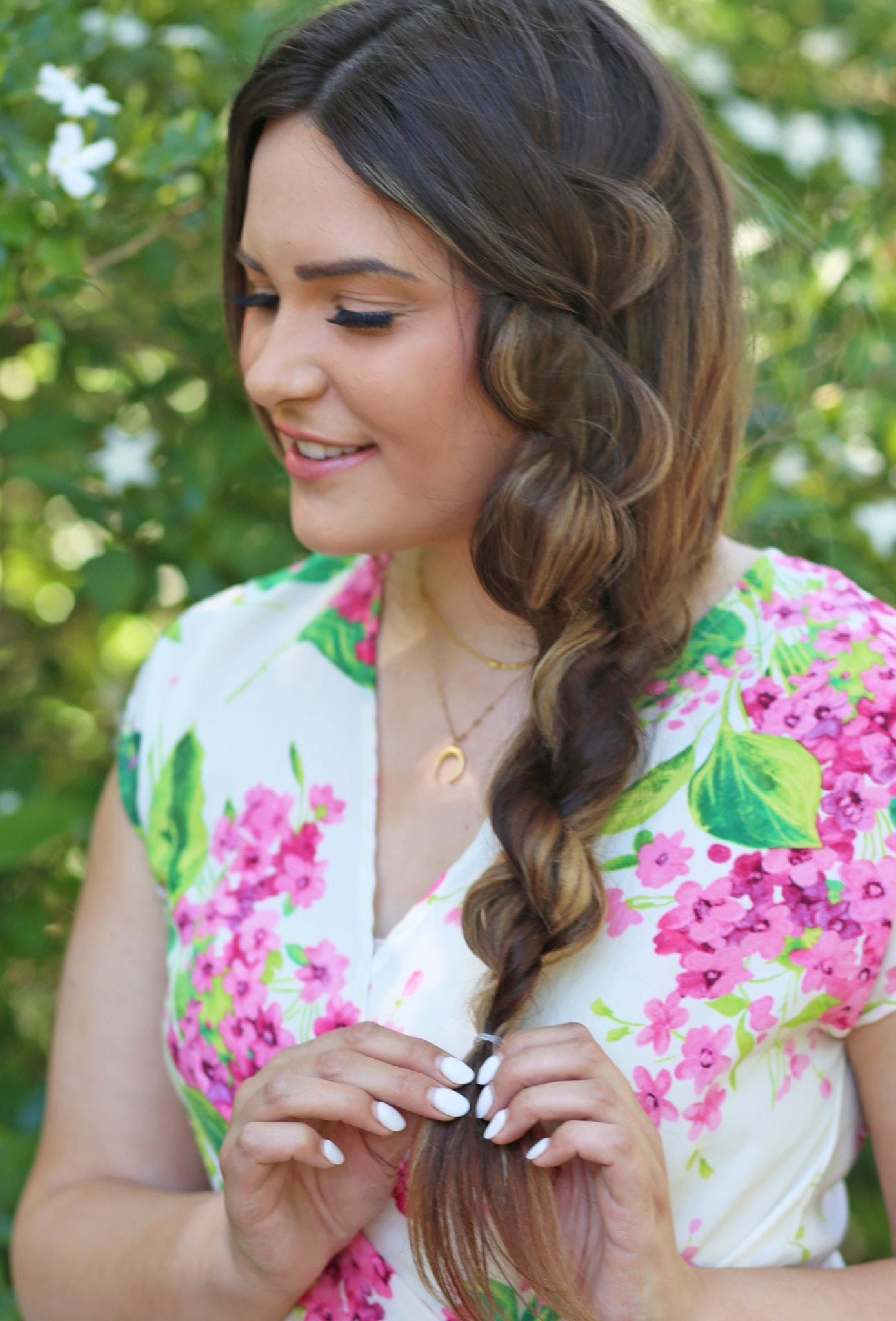 Mash Elle beauty blogger | Redken | side twist hair | no extensions hairstyle | long hair | spring style | floral romper pink and white