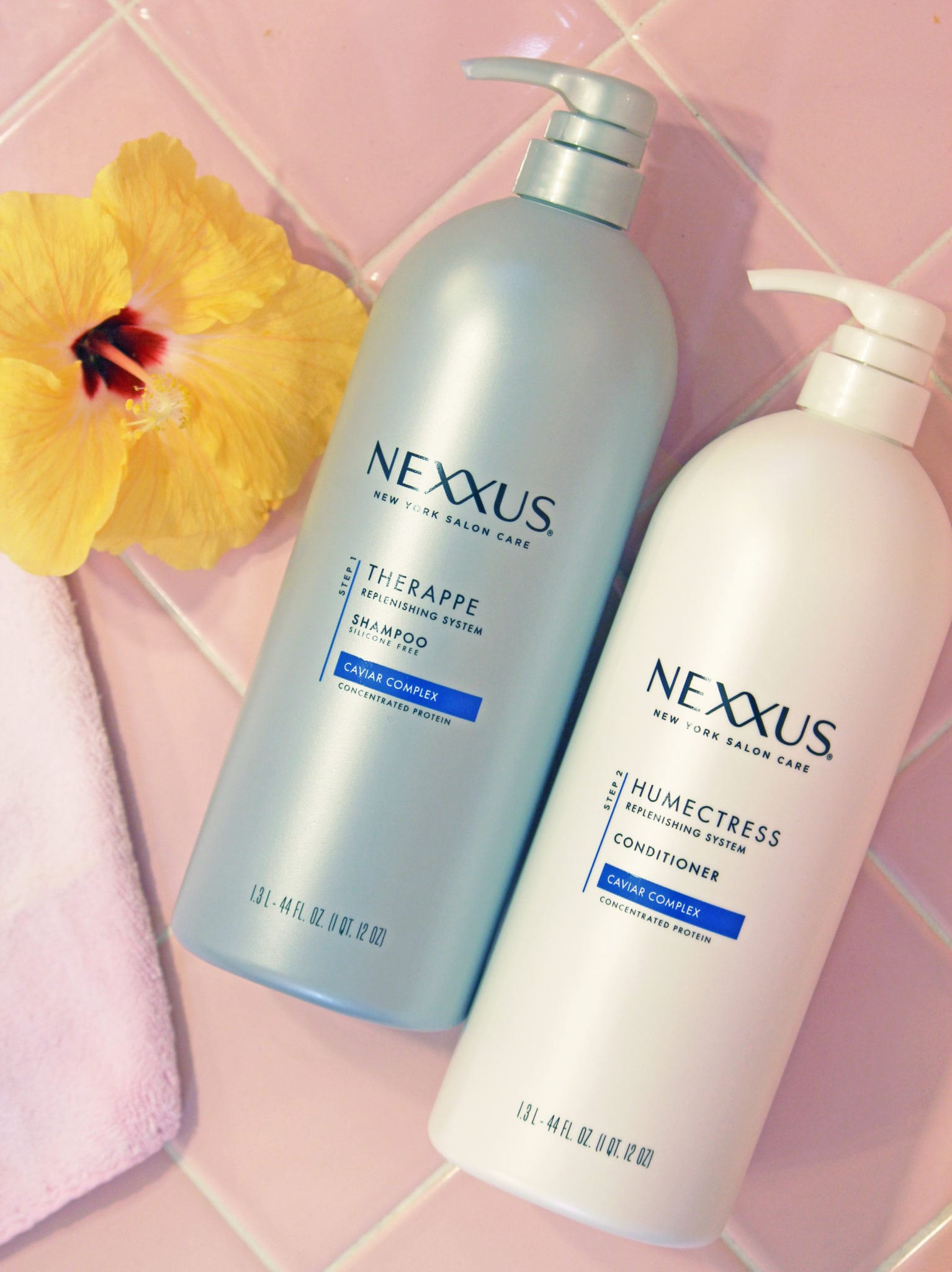 Beauty blogger Mash Elle fun ways to style a scarf in the summer nexxus hair care