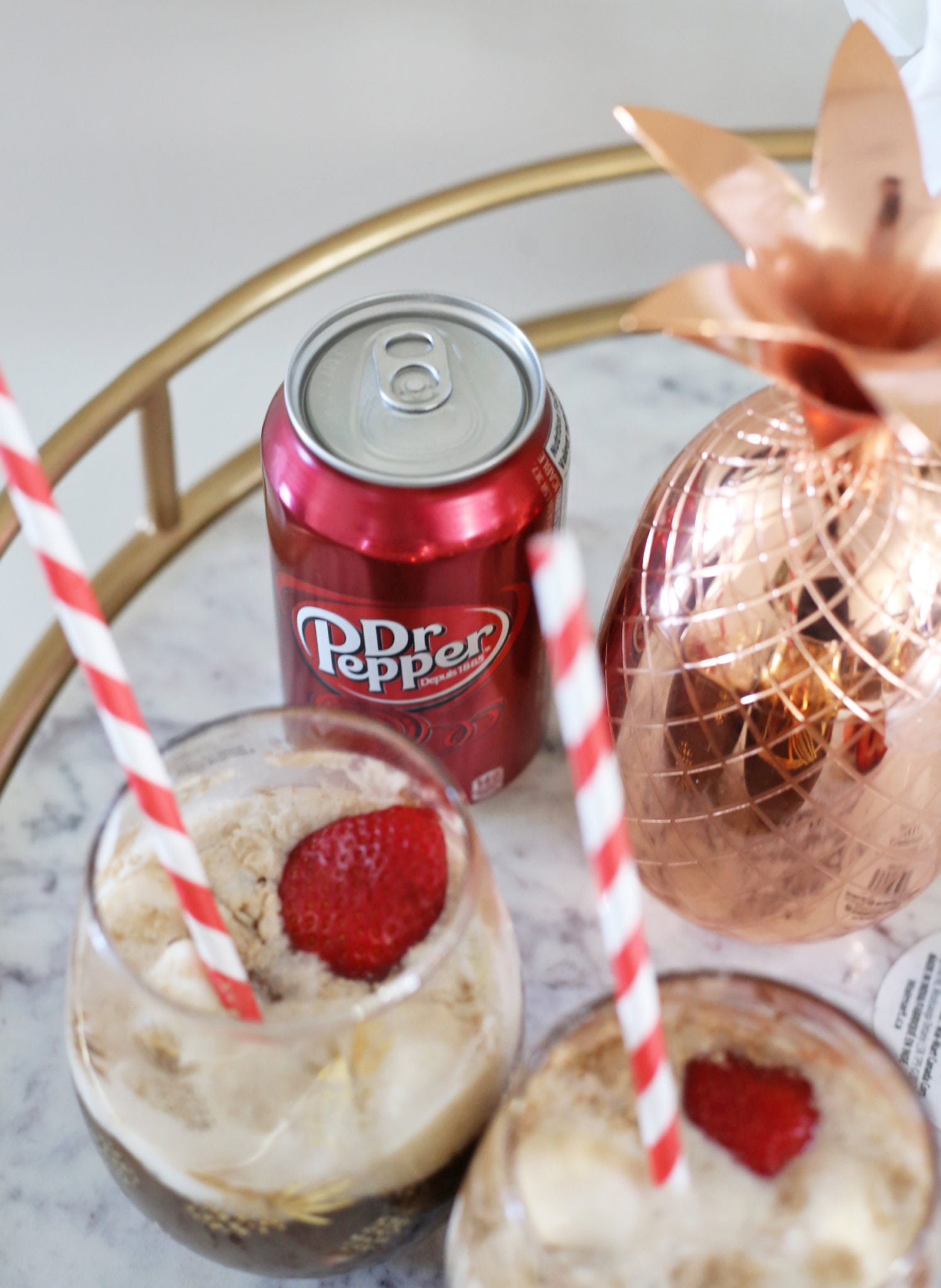 Mash Elle lifestyle blogger | bar cart ideas | vanilla ice cream ideas |summer recipe | refreshing summer float recipe |dr pepper