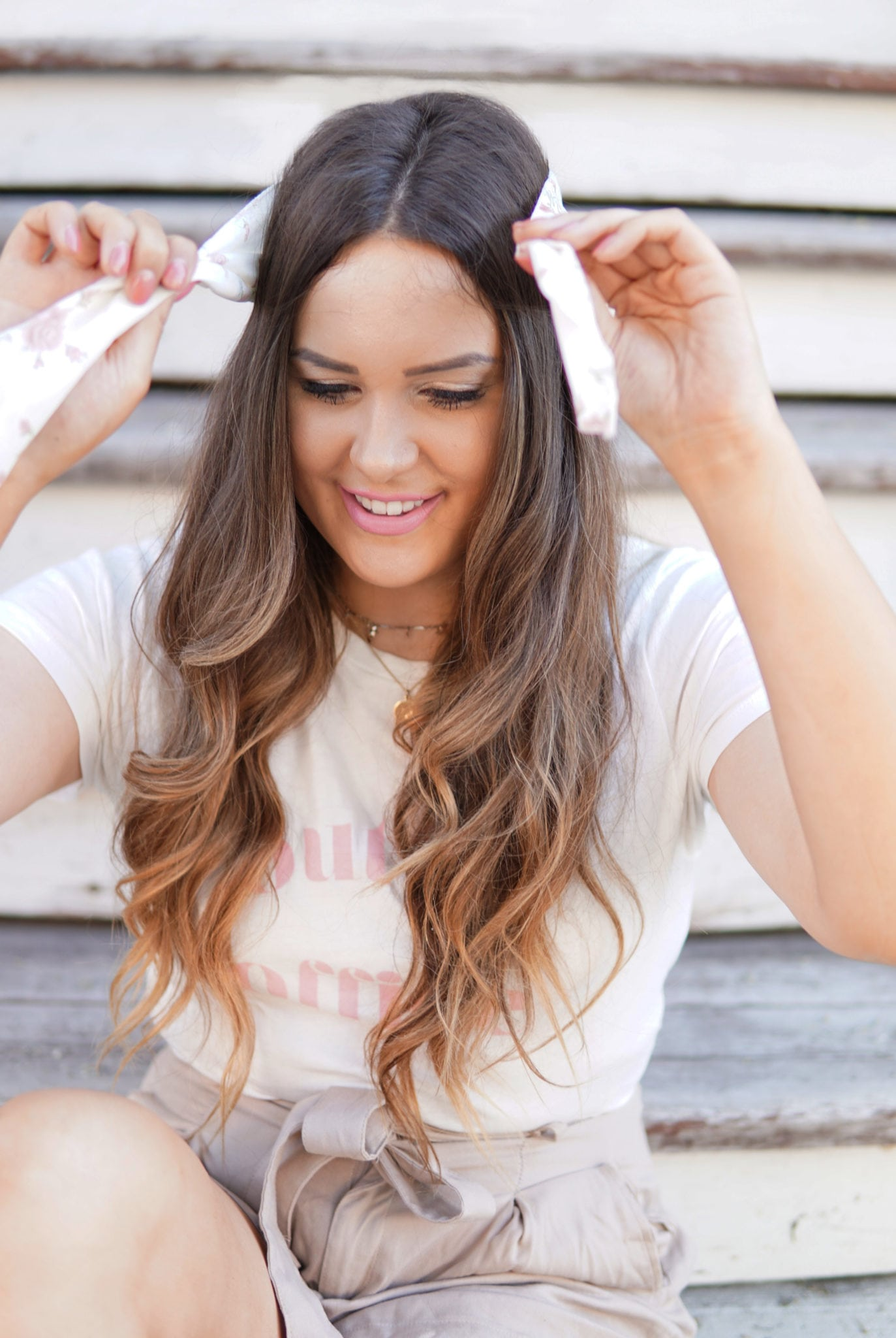 Beauty blogger Mash Elle fun ways to style a scarf in the summer