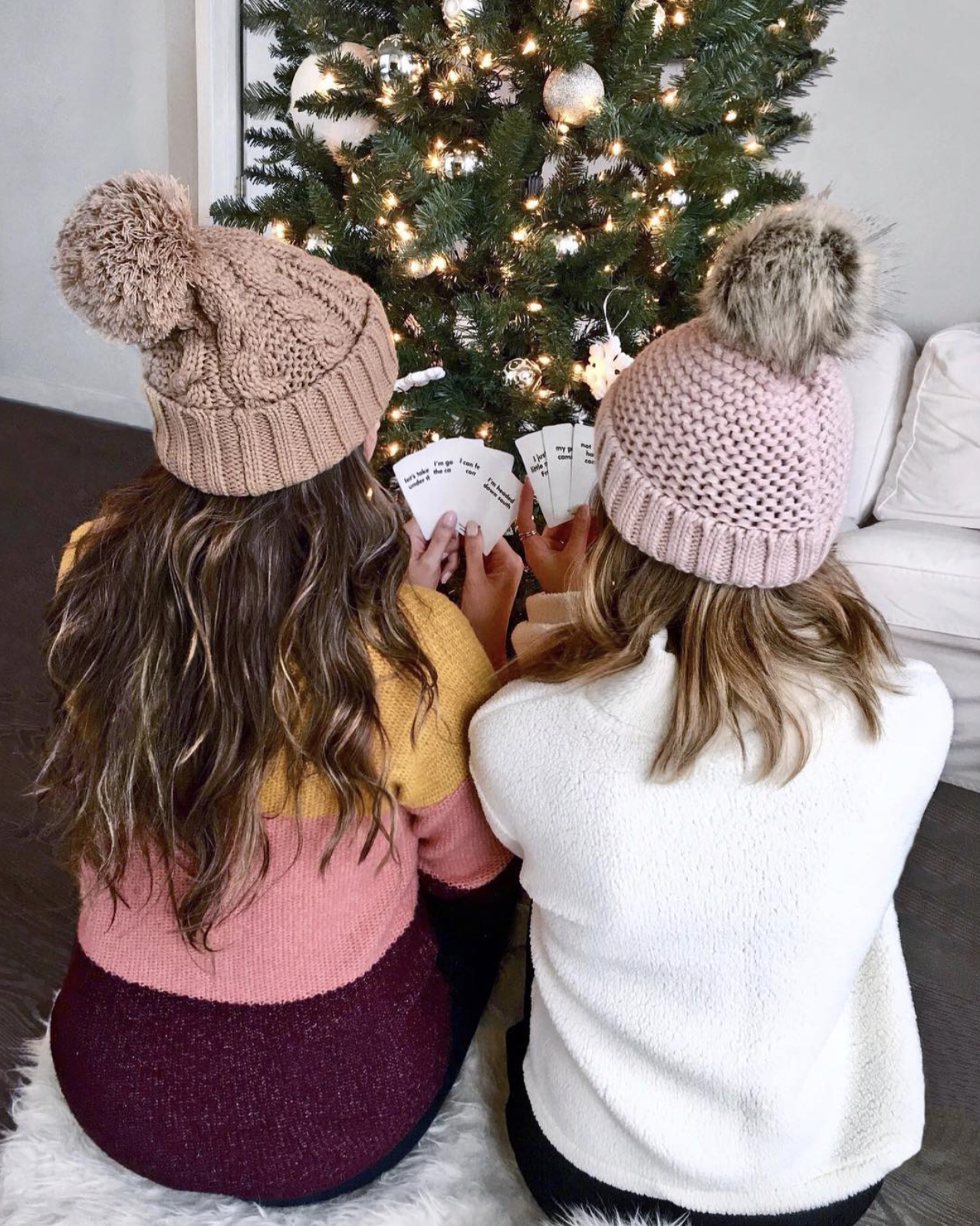 Mash Elle beauty blogger | where to find the best beanies | how to wear beanies | cute beanies for winter | cards against humanity | girl date | pom pom winter beanies | winter outfit | snow outfit