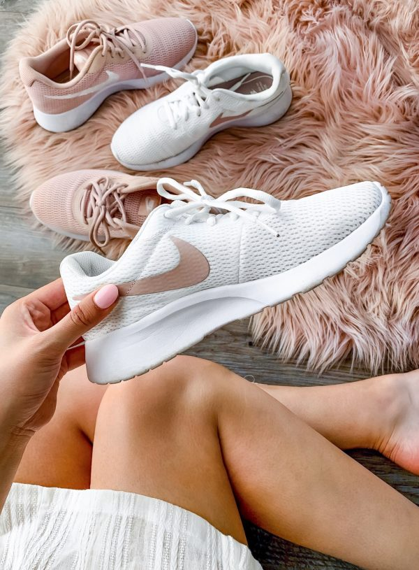 Mash Elle beauty blogger| running shoes | Nike's | best workout shoes | gold nikes | rose gold